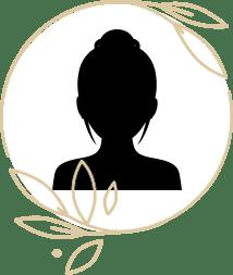 女性スタッフ